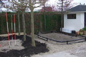aanleg-tuin-in-hoofddorp-frame-voor-de-trampoline-staat-al