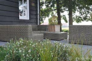 fijn-loungen-in-de-tuin